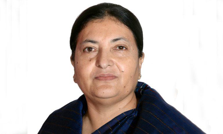 प्रधानमन्त्री केपी शर्मा ओली राष्ट्रपतिलाई भेट्न शीतलनिवासमा